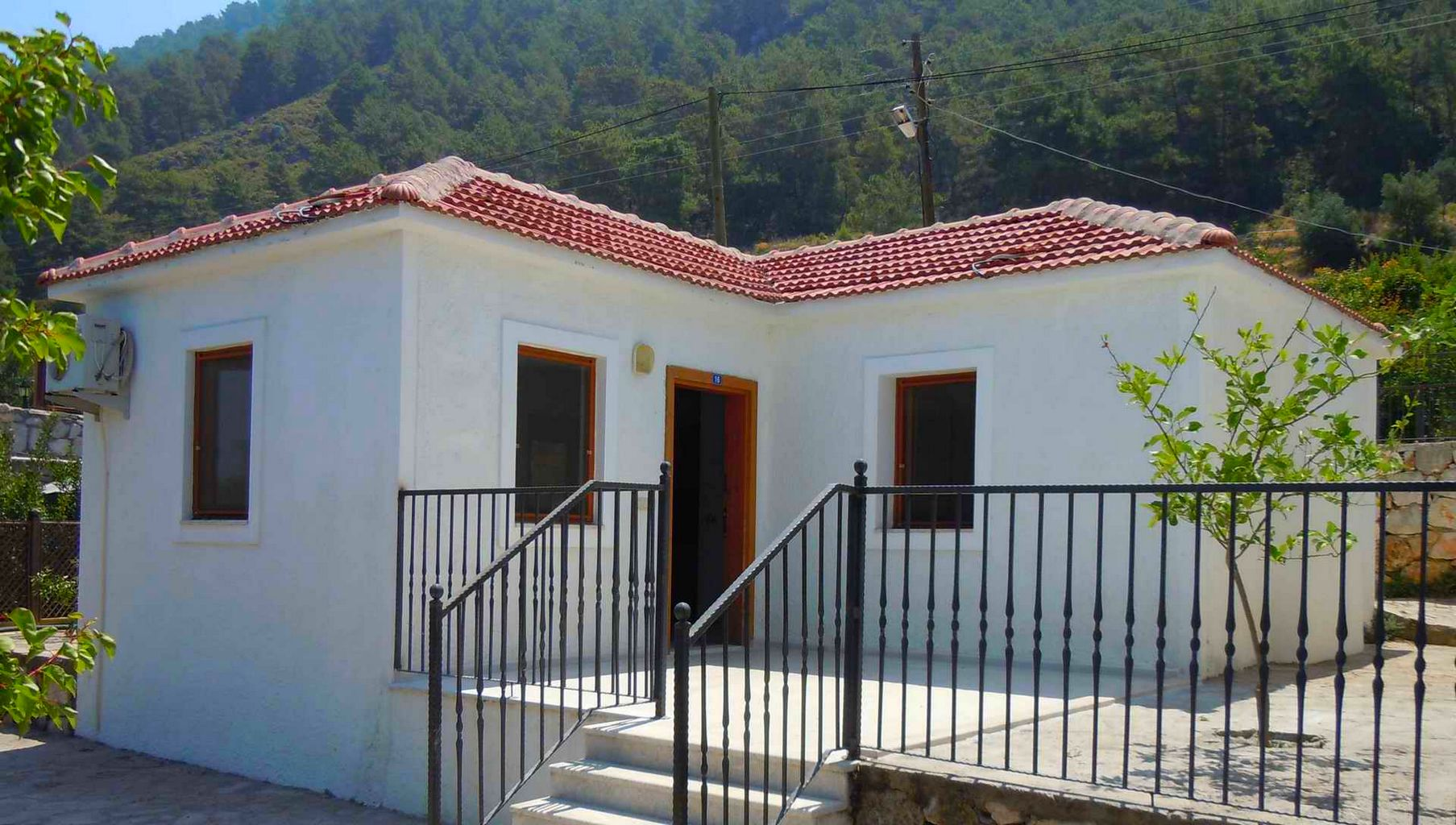 Limon Holiday Home
